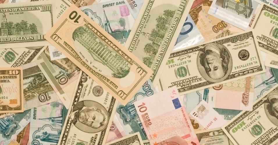 Dólar comercial em alta, com riscos à reforma da Previdência