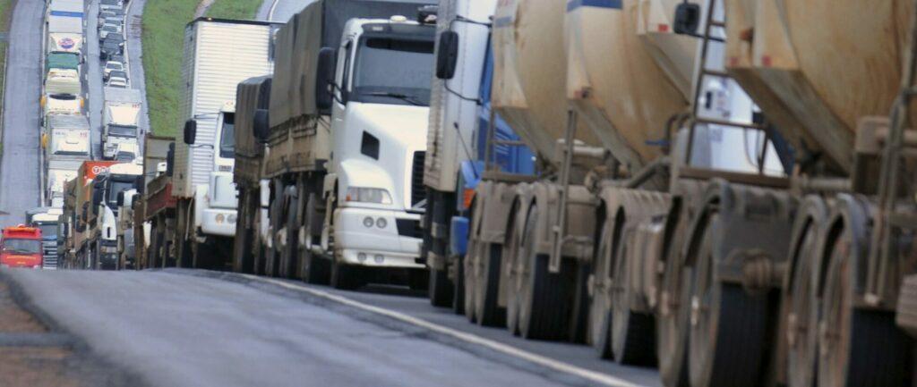 Greve de caminhoneiros pode reduzir moagem de cana-de-açúcar