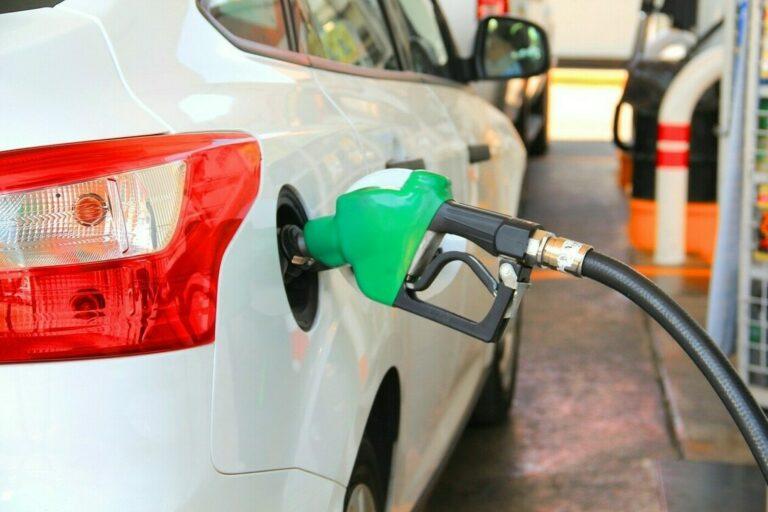Alto custo de combustíveis reduz o consumo do ciclo Otto em setembro
