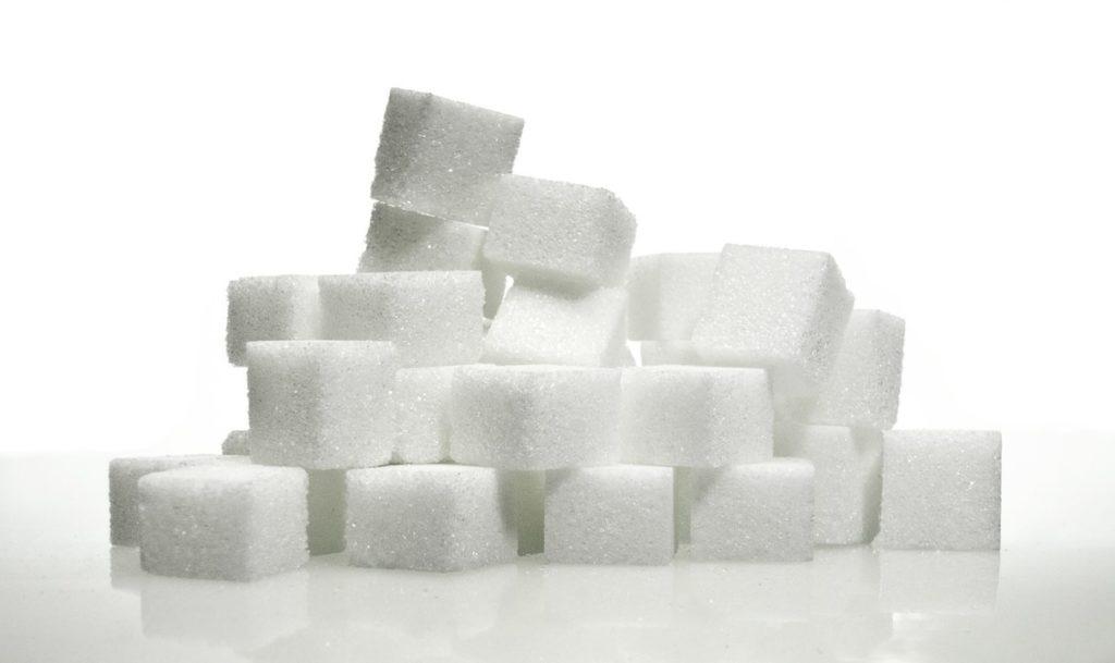 Apesar de fundamentos e cenário macroeconômico, açúcar encerra semana relativamente estável